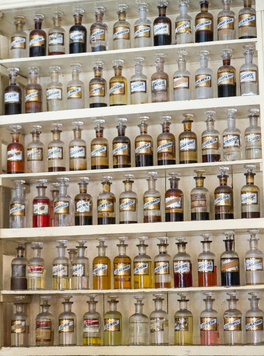 a_Homeopathy-antique-bottles-Newtons